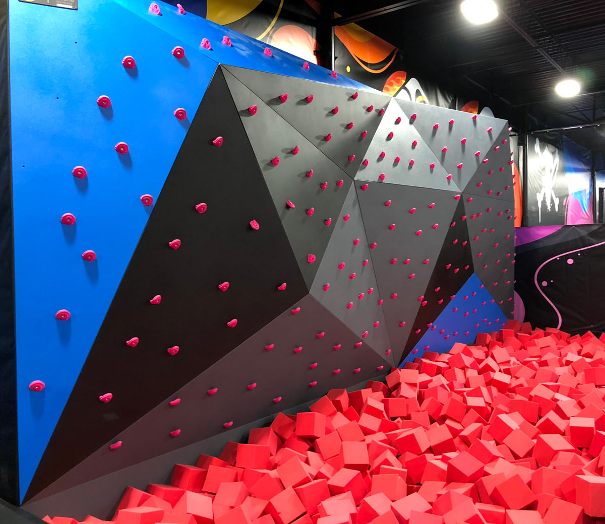 products_climbing_traverse-wall_1