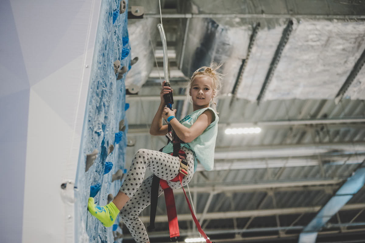 products_climbing_wall_1