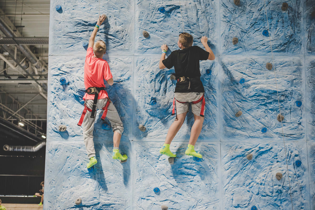 products_climbing_wall_2