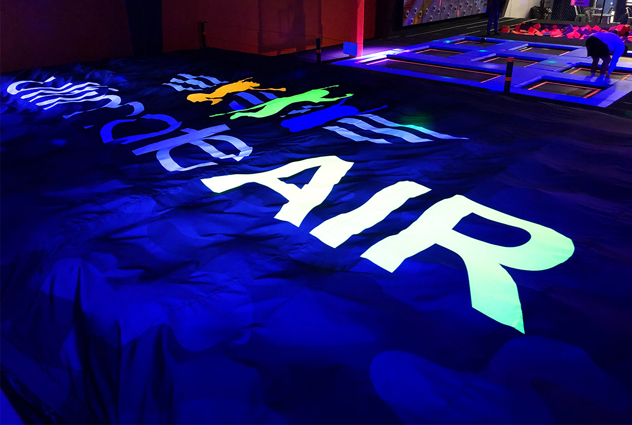Neon-Airbag-3